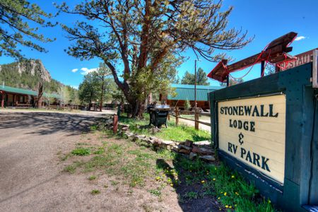 StoneWall Lodge in Weston, Colorado
